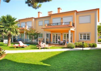 Portugal holiday apartments accommodation rental | Praia D'El Rey 2 bed apartmen
