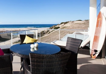 portugal holiday rental | Praia D'El Rey 2 bed Beachfront townhouse