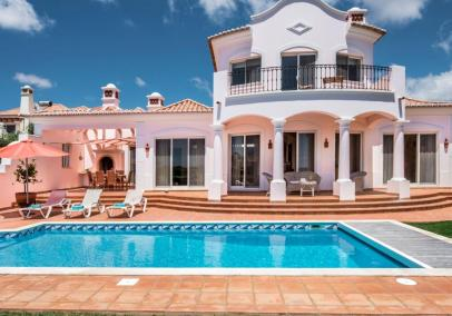 Sagres beach villa heated pool