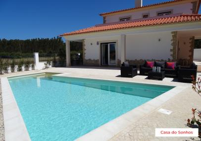 villas in portugal with swimming pool | Casa dos Sonhos